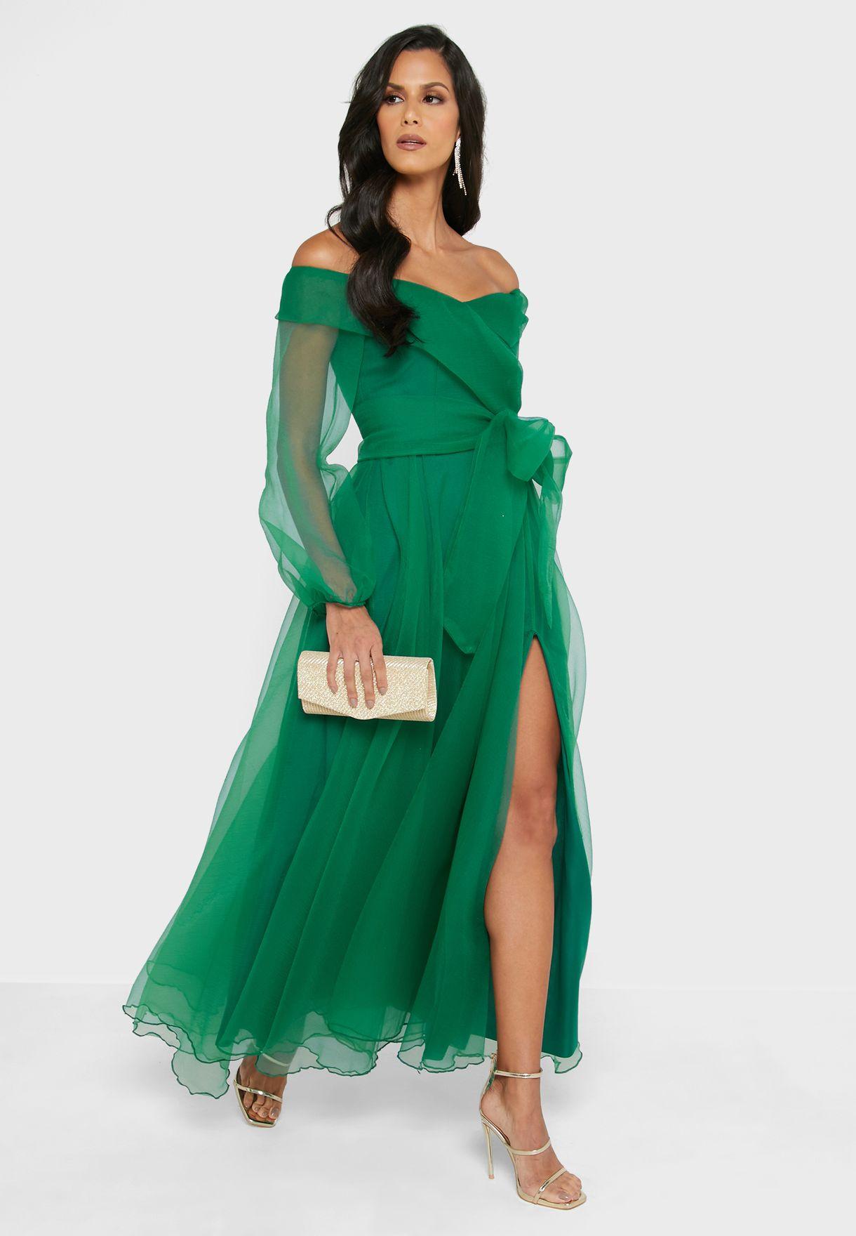 فستان لف بأكتاف عارية