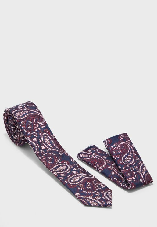 ربطة عنق ومنديل جيب