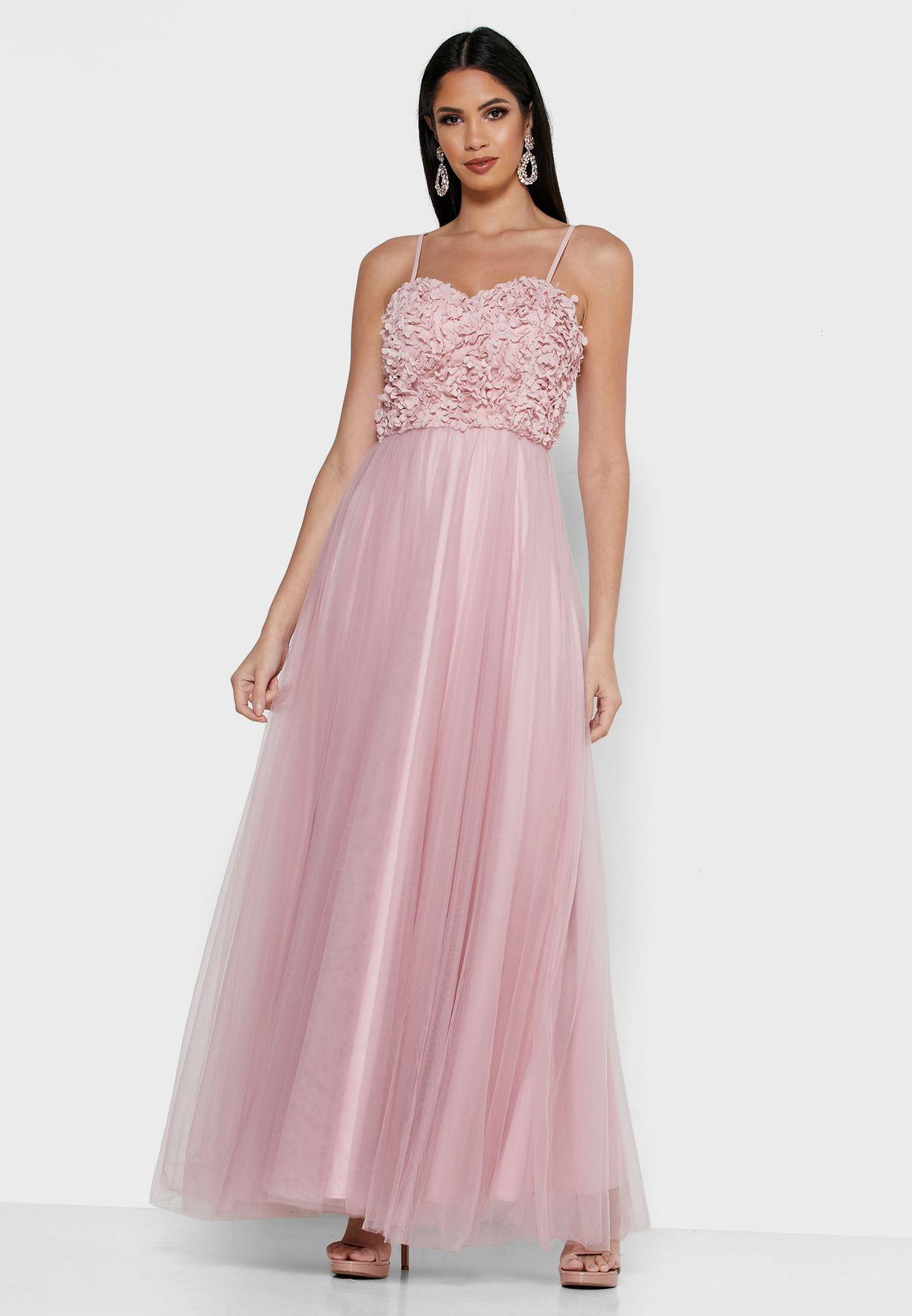 فستان تول مزين بأزهار