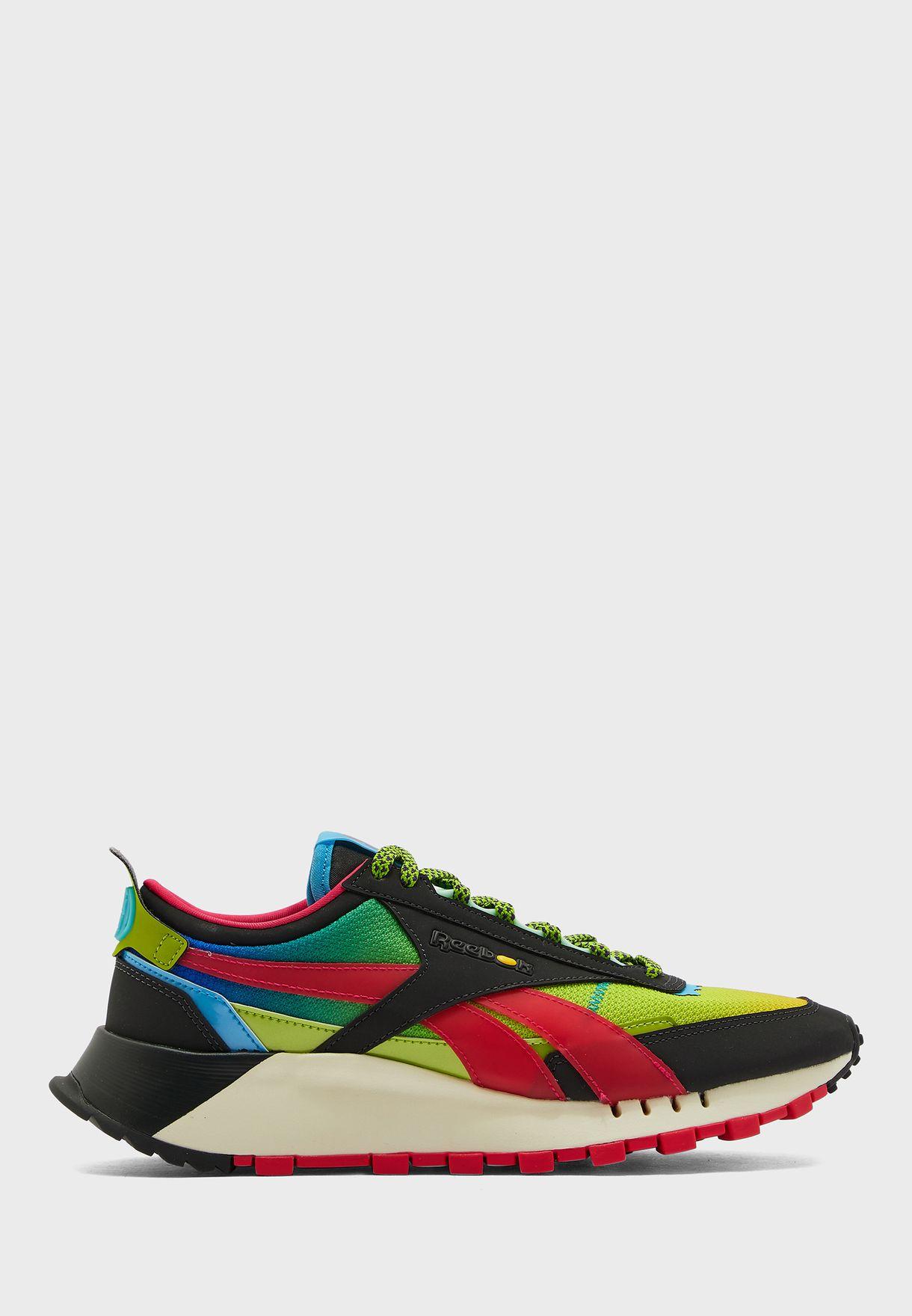 حذاء من مجموعة جيلي بيلي