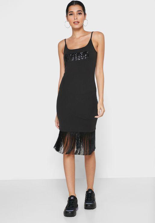 فستان من مجموعة شارلوت اوليمبيا