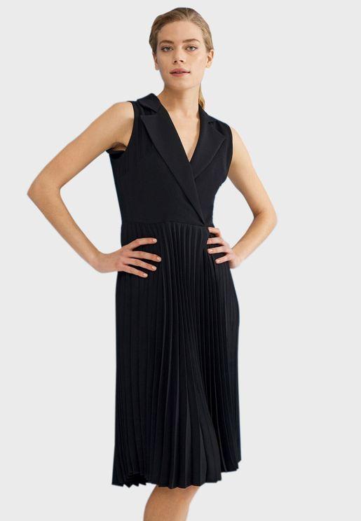 فستان بليسيه بياقة كلاسيكية