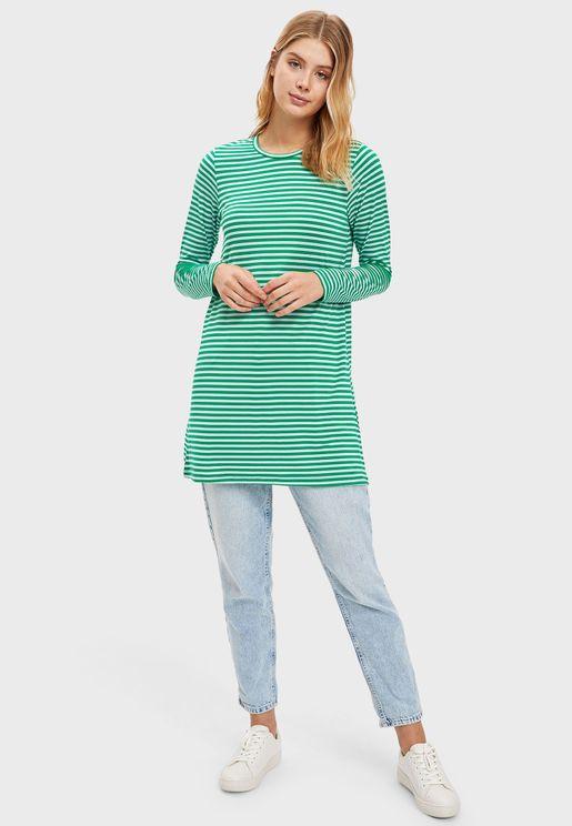 بلوزة طويلة بنمط فستان مخطط