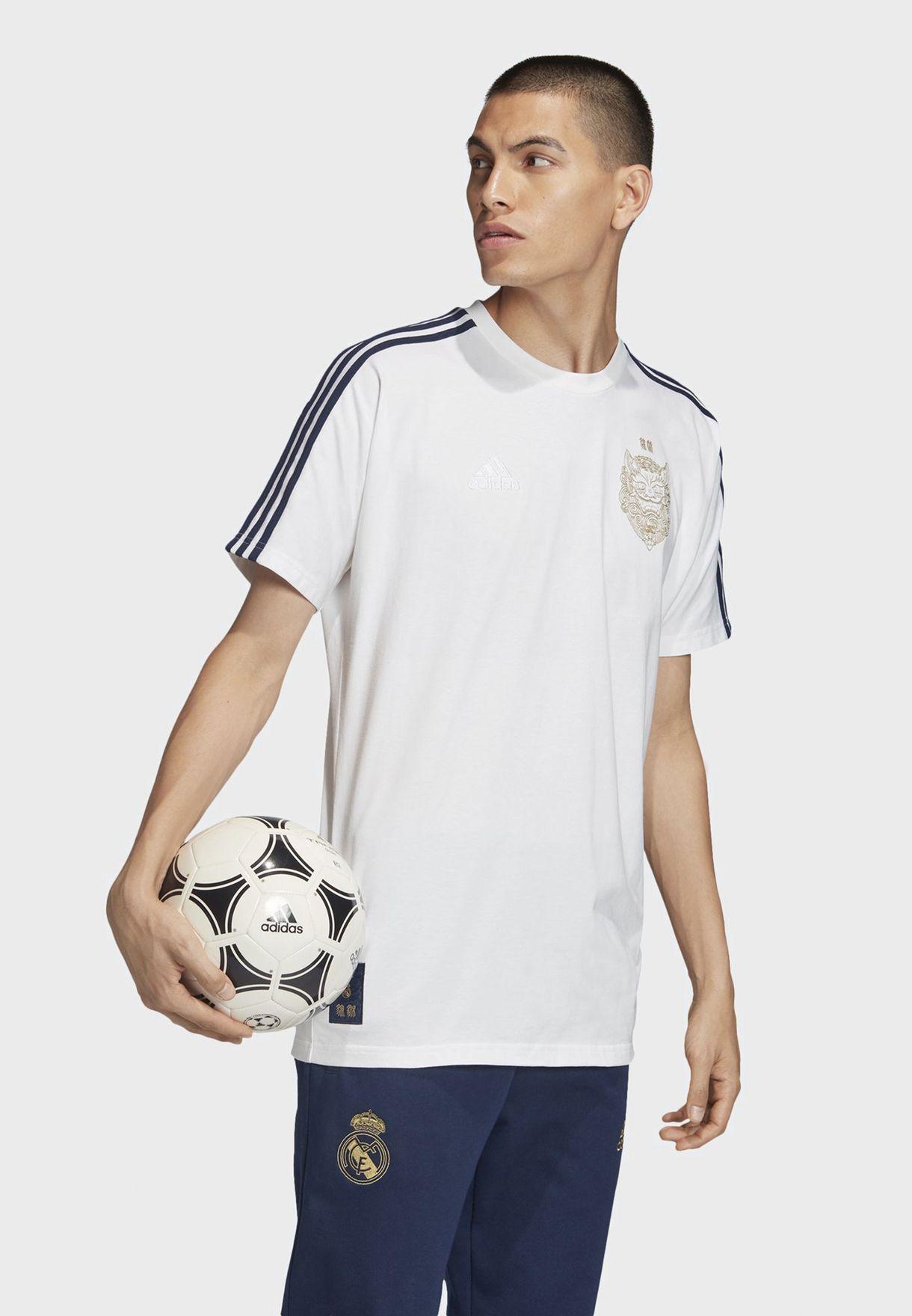 تيشيرت بشعار ريال مدريد