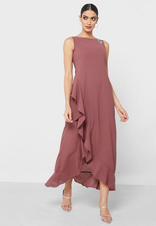 فستان بجوانب مكشكشة