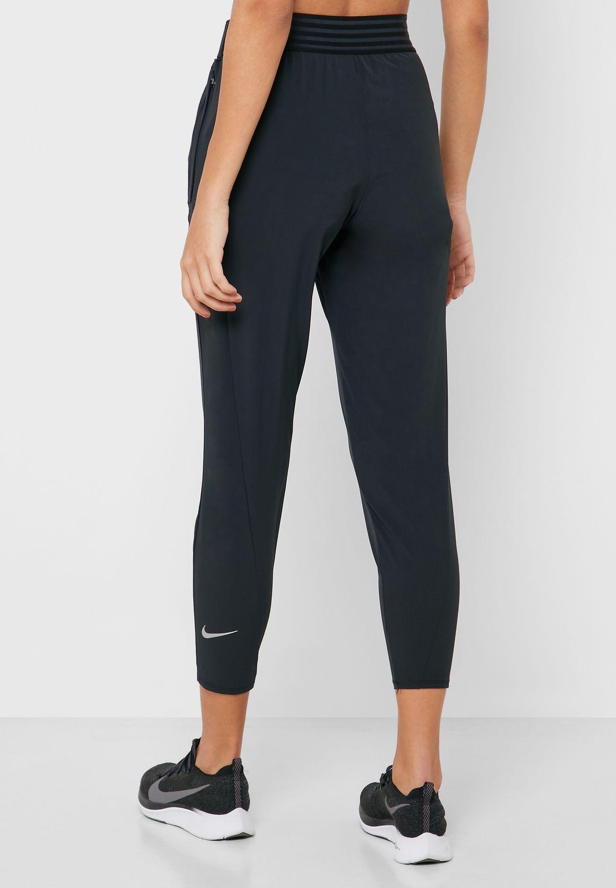 nacido Mejora diagonal  Buy Nike black Essential 7/8 Tights for Women in MENA, Worldwide    BV2898-011