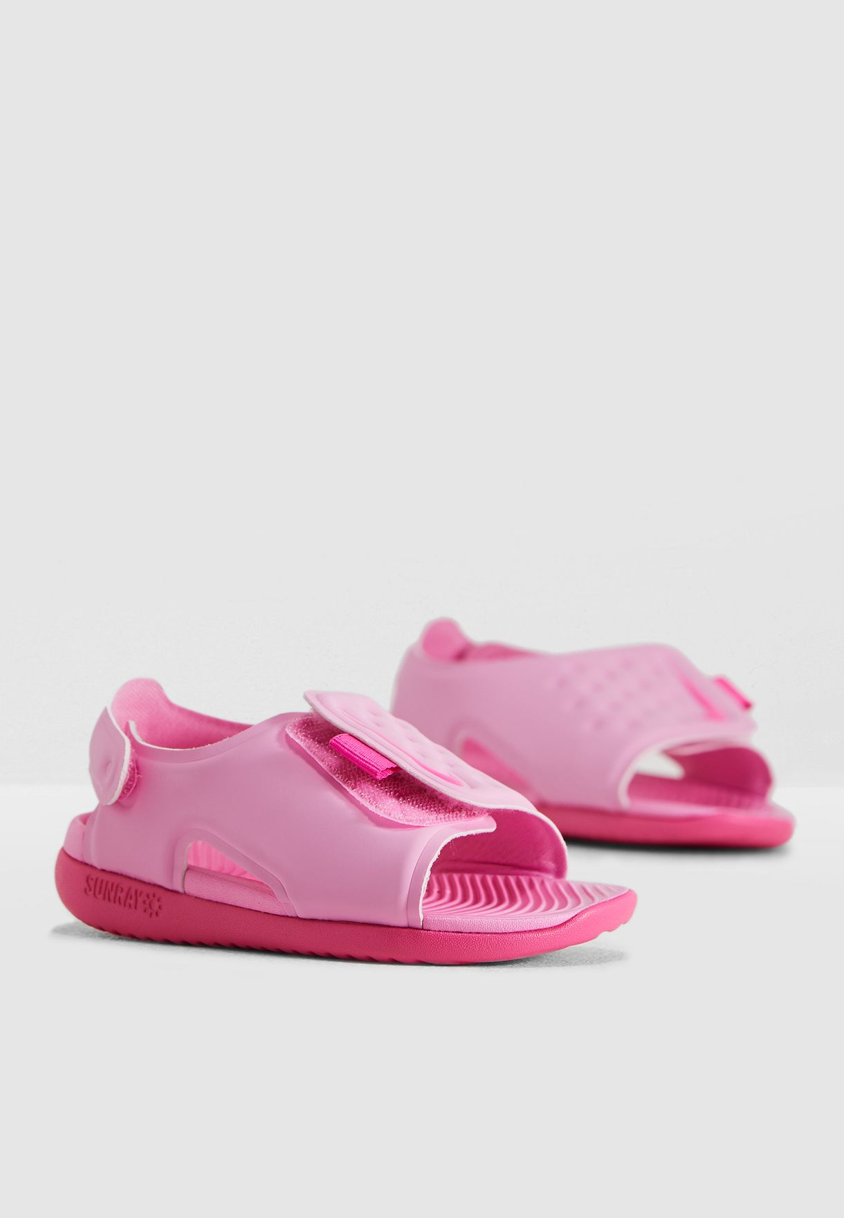 Shop Nike pink Infant Sunray Adjust 5 AJ9077-601 for Kids in Saudi -  72704SH06JUP ab9b883139