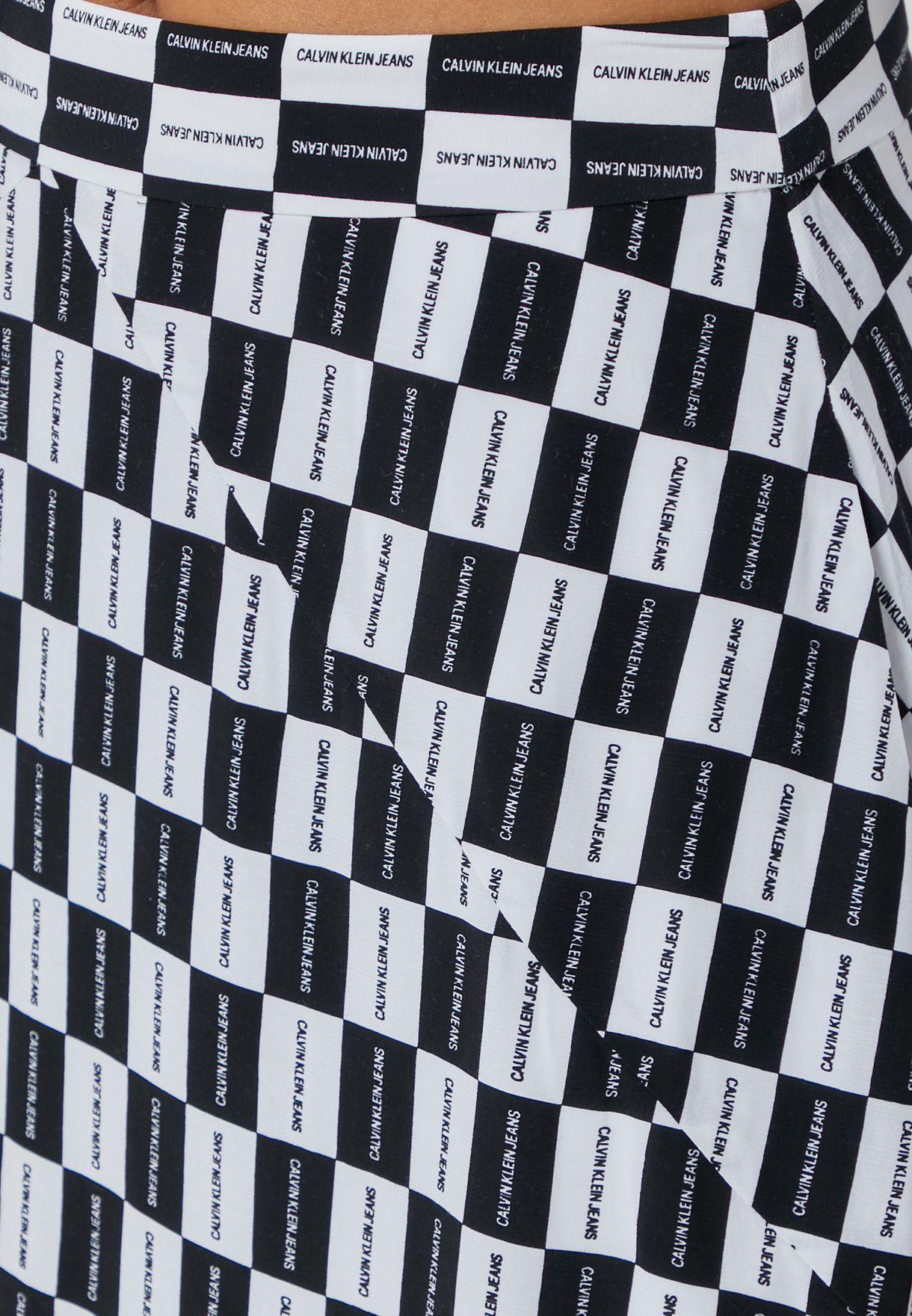 تنورة ميني بطبعات مربعات