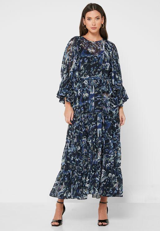 فستان مطبع بقصة واسعة