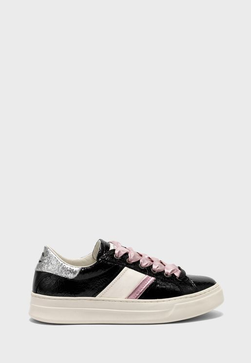 Croc Detail Low Top Sneaker