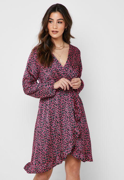 فستان بأجزاء كشكش وطبعات ليوبارد