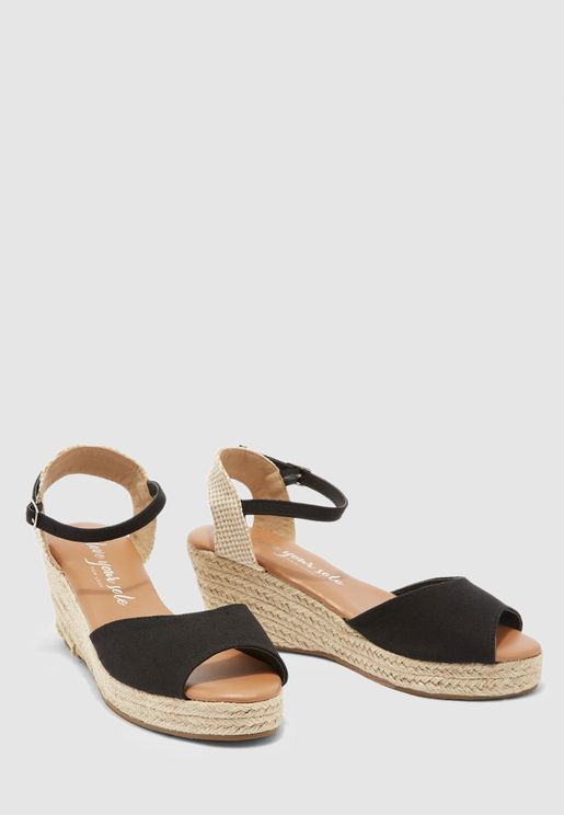 Ankle Strap Mid Heel Sandal - black