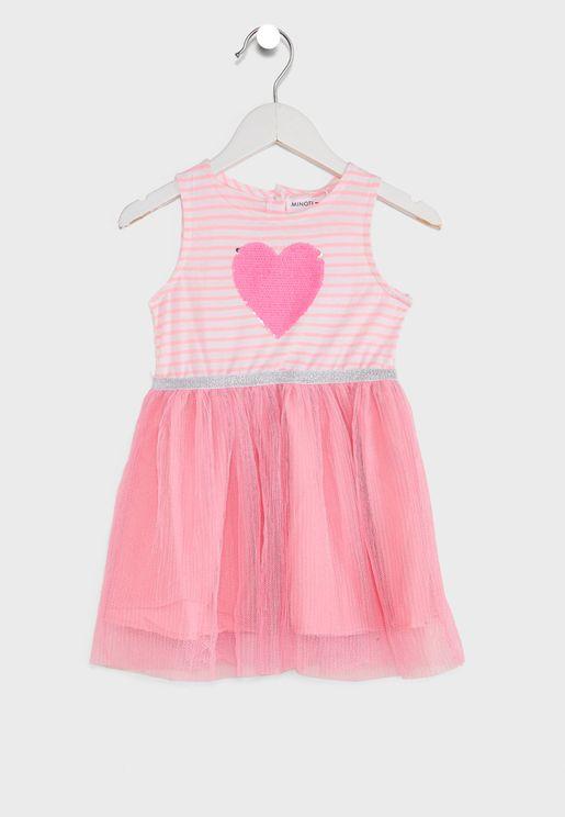 فستان مزين بقلوب ومرصع بالترتر