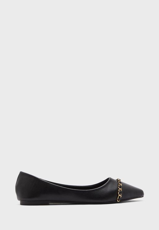 Colourblock Pointed Flat Shoe With Chain