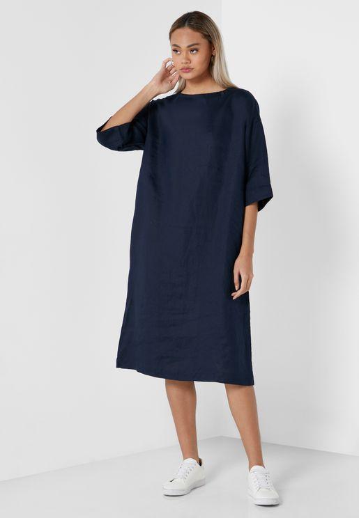 فستان فضفاض بياقة دائرية