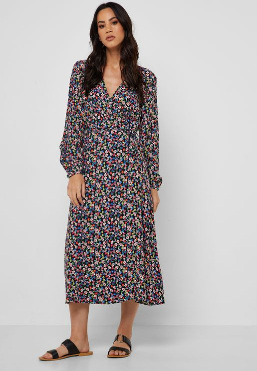 f333afae96037 Floral Print Wrap Dress. New Look