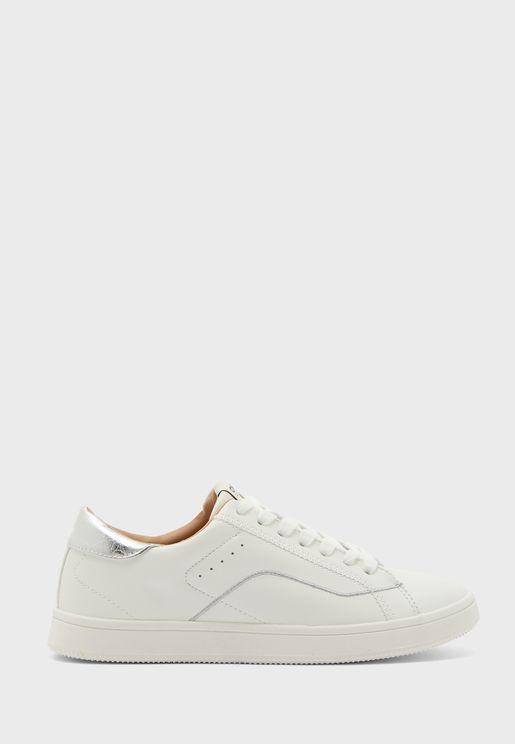 Shilo Low Top Sneaker