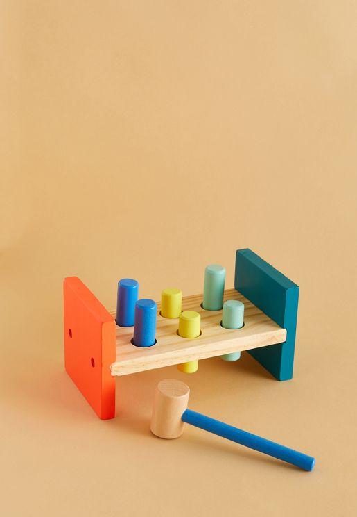 لعبة خشبية بمطرقة