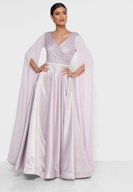 فستان لف بأكمام ذات شقوق
