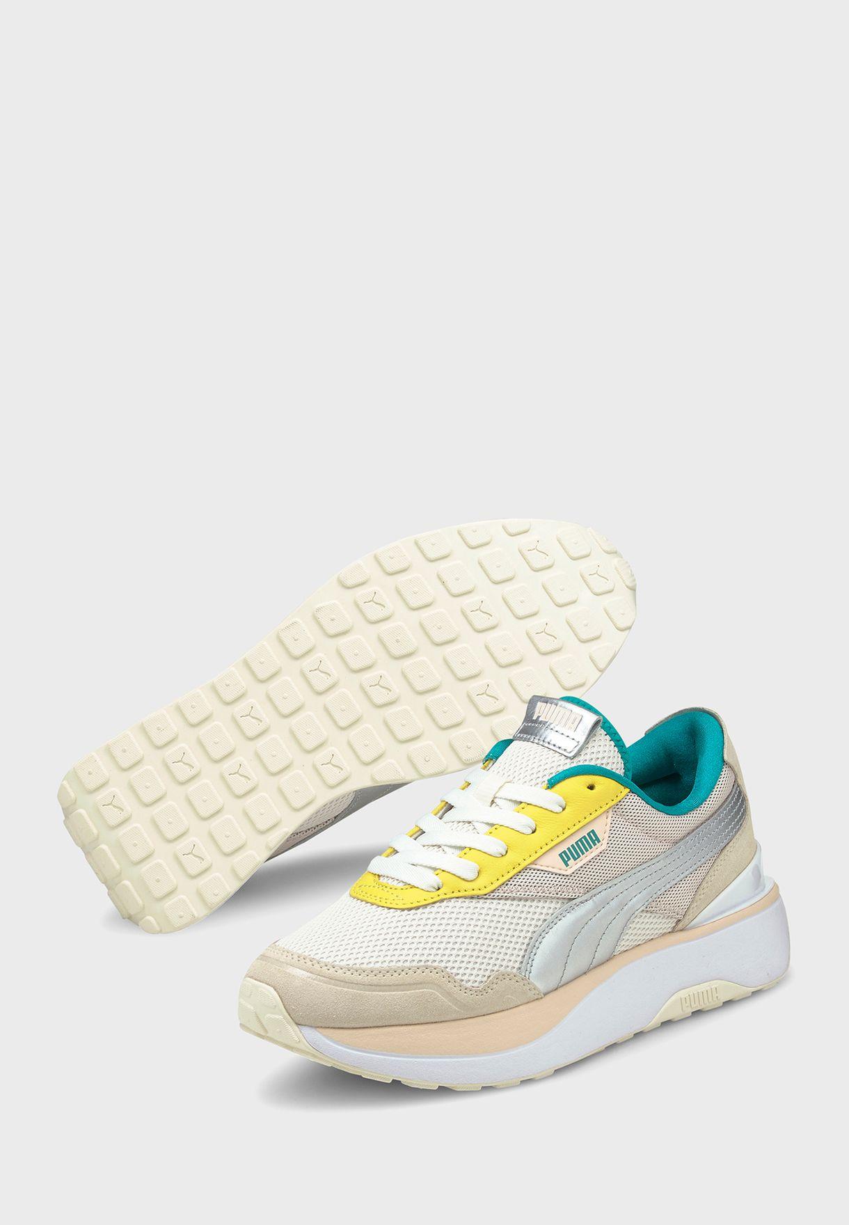 حذاء كروز رادير او كيو