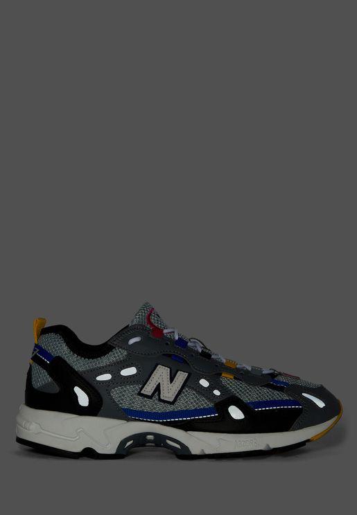حذاء 827