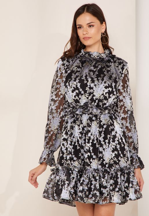 فستان سكاتر بأجزاء كشكش