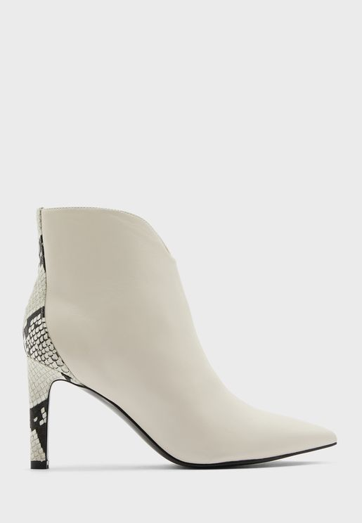 Mikale Pointed Mid Heel Zipped Ankle Boots