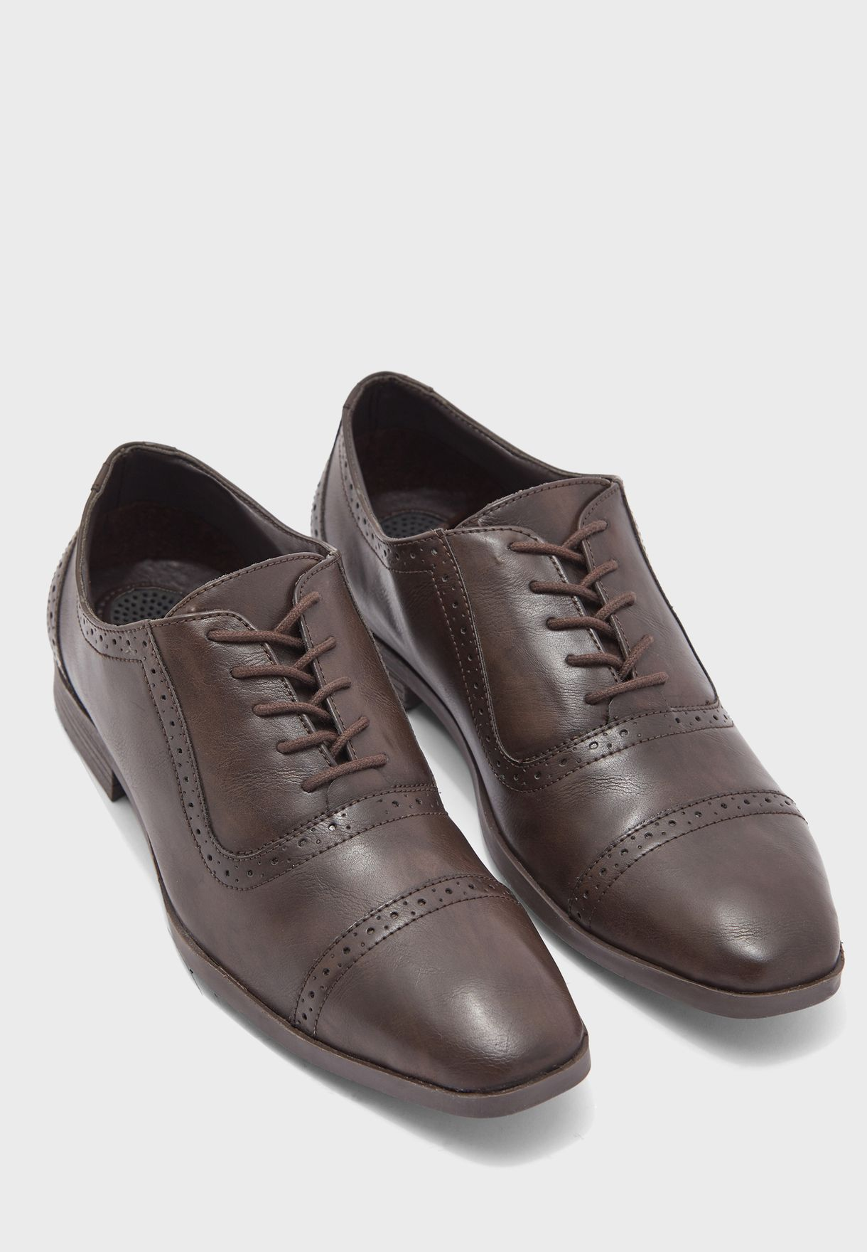 حذاء اوكسفورد رسمي بأربطة