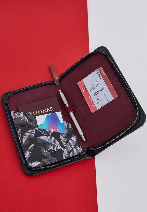حافظة وثائق السفر