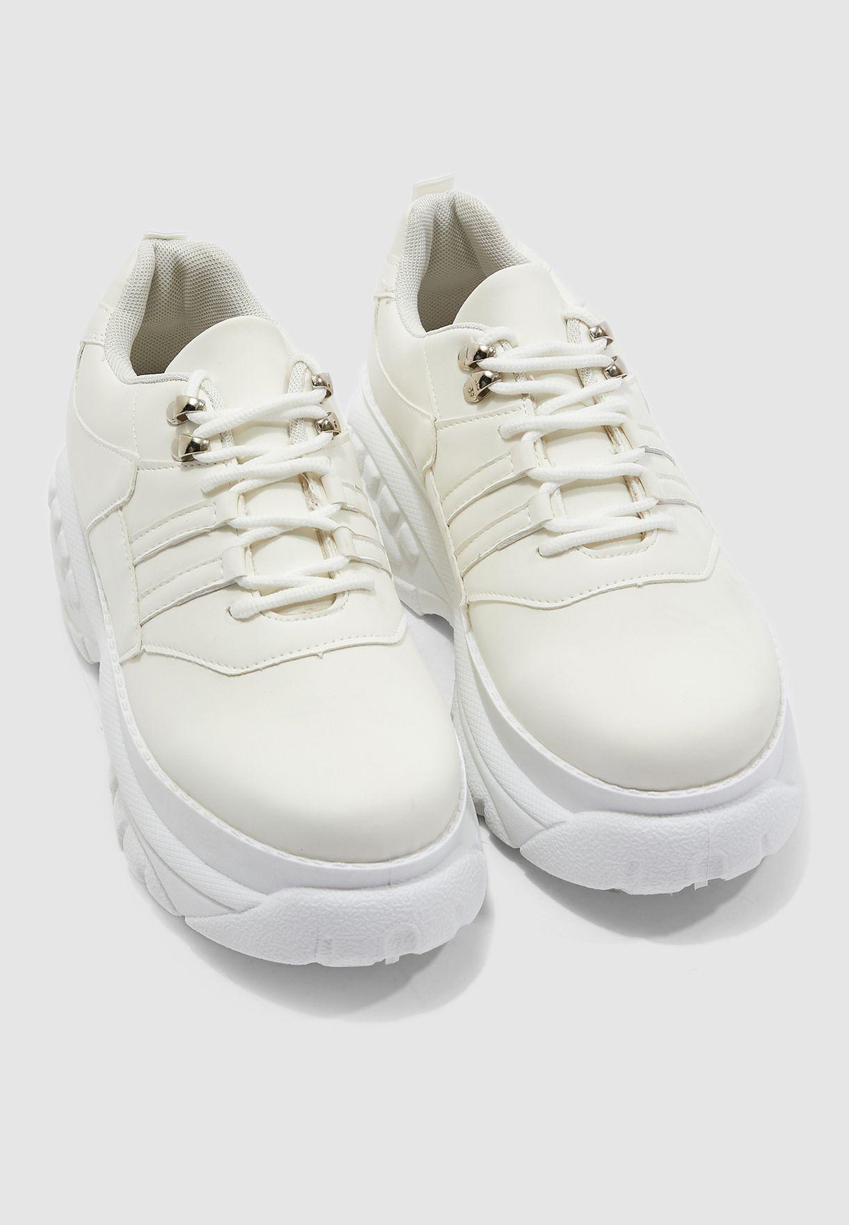 حذاء سنيكرز بكعب سميك