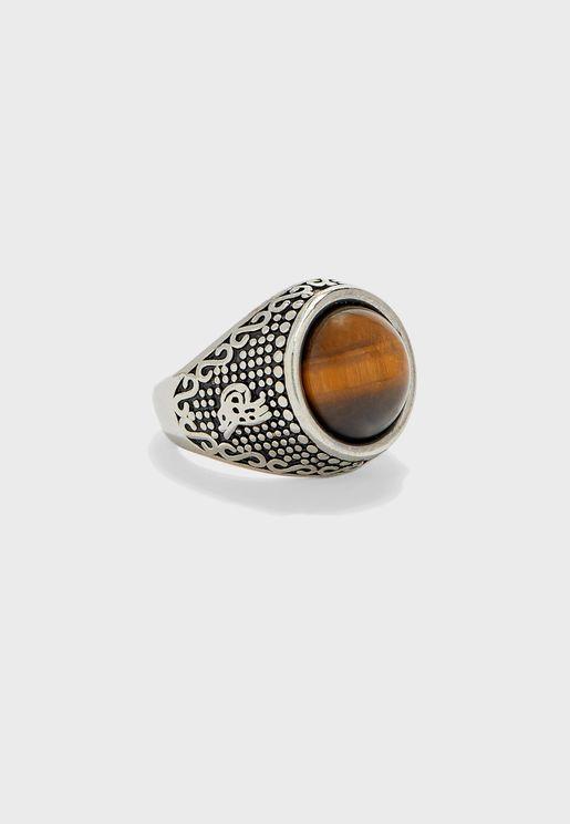 خاتم بيضاوي بحجر