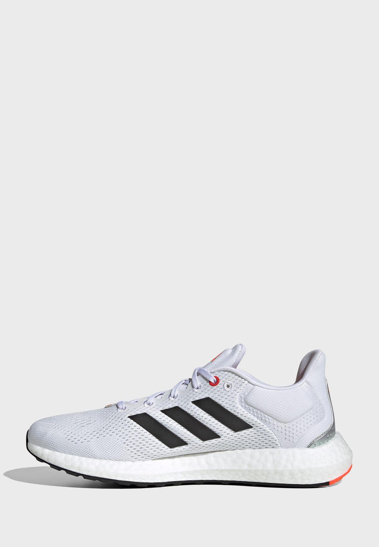 حذاء بيور بوست 21