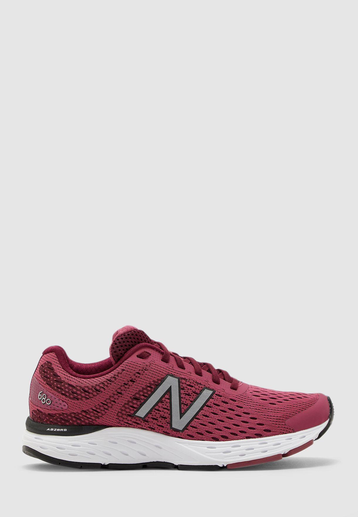 حذاء 680