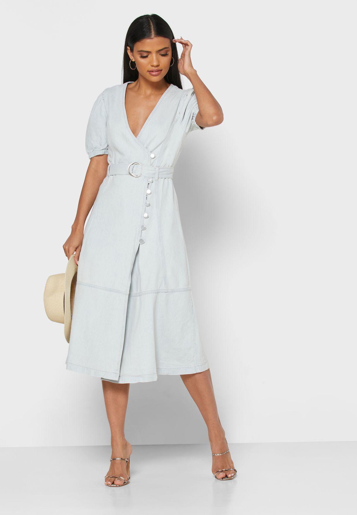 فستان لف بأزرار
