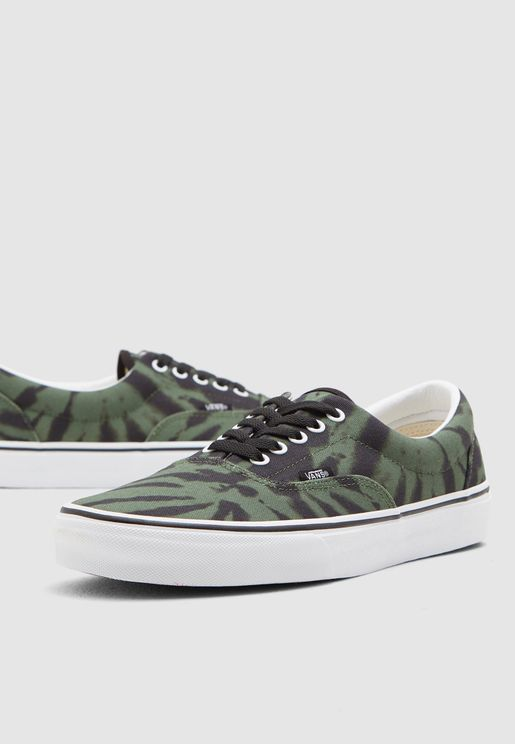 30ed791efb09c Vans Online Store | Vans Shoes, Sneakers, Clothing, Bags Online in ...