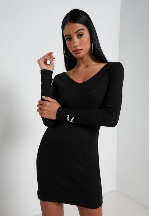 فستان محزز بياقة V
