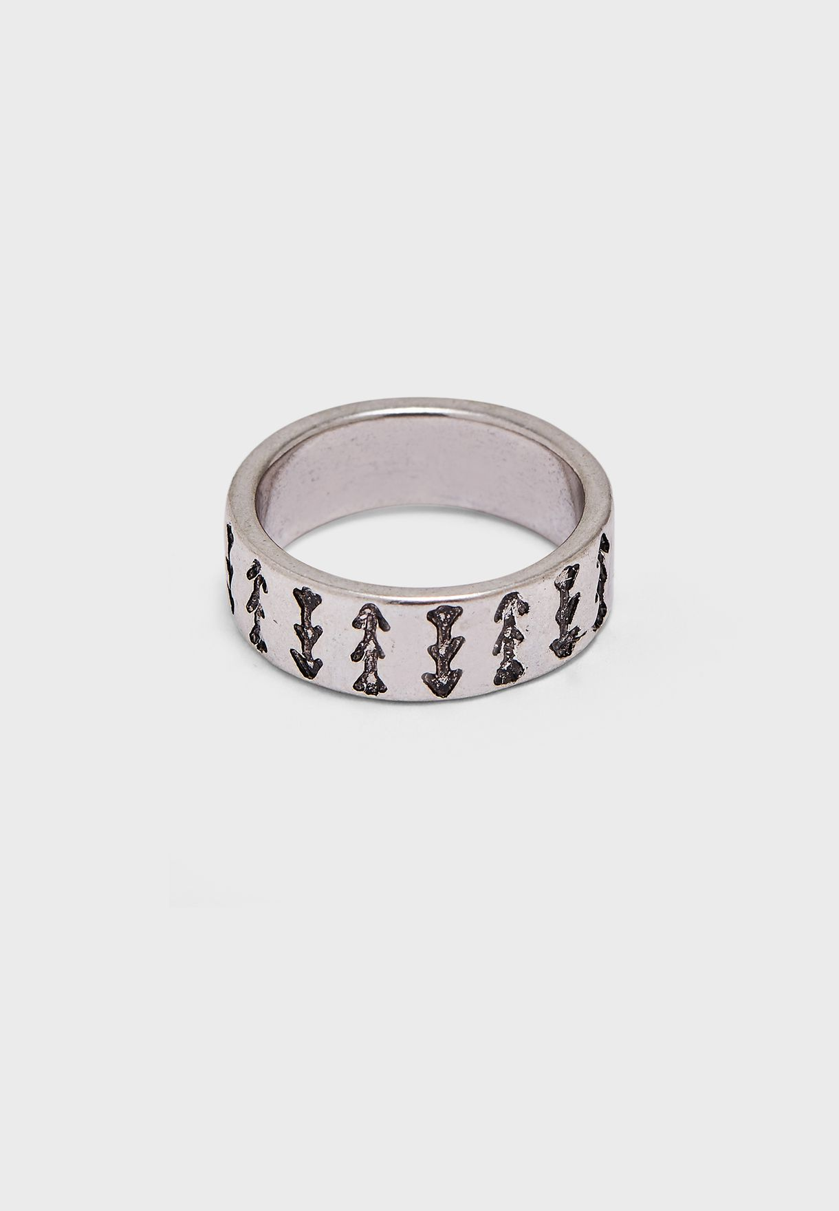 Engraved Arrow Detail Band Ring