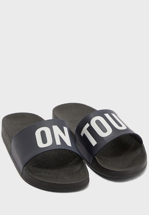 ON TOUR Sandals
