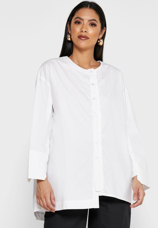 قميص بأطراف غير متماثلة الطول