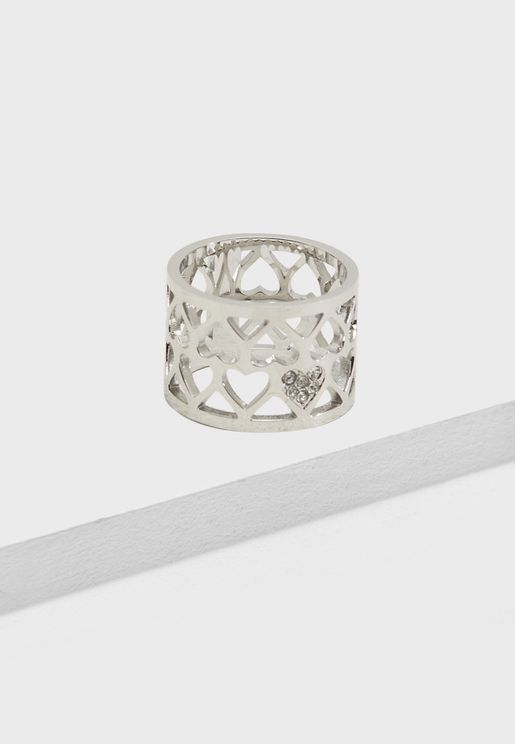 R-Hearts Pattern Ring