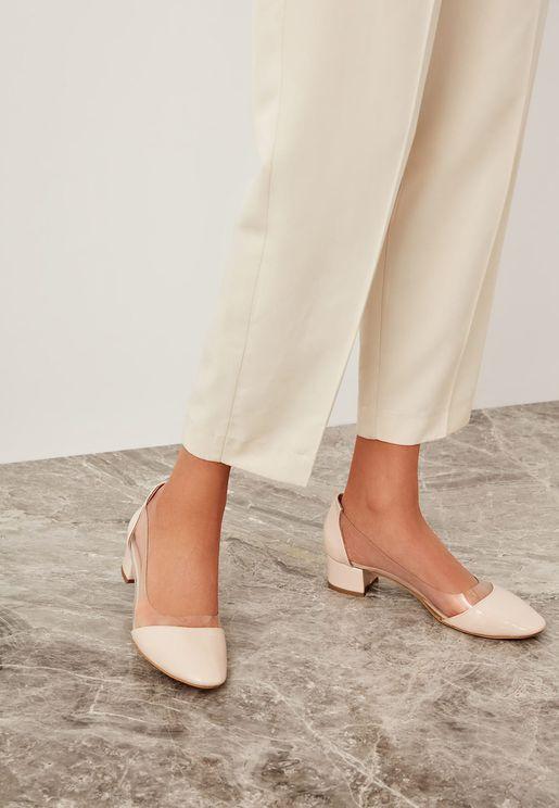 حذاء جلد بكعب صغير