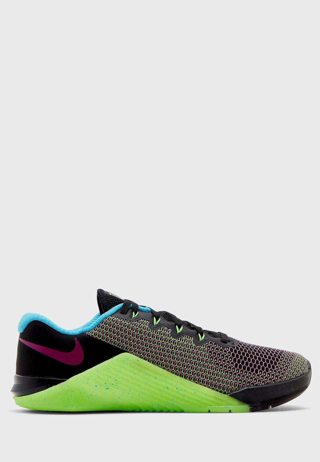 Asentar Hacer la cama Cambios de  Buy Nike multicolor Metcon 5 Amp for Men in MENA, Worldwide | CD3395-046