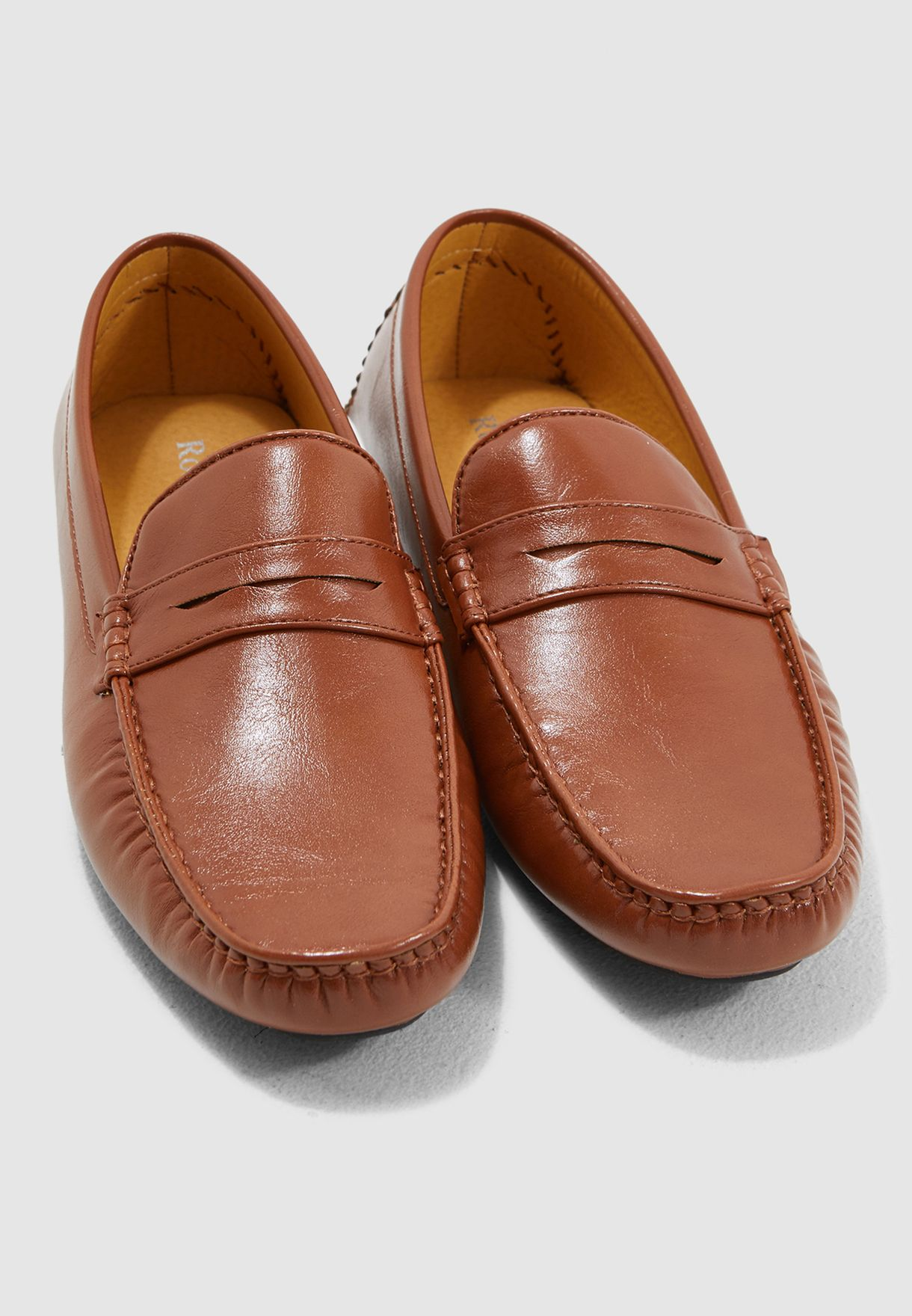 Classic Saddle Detail Moccasins