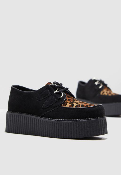 حذاء بلاتفوروم بأربطة