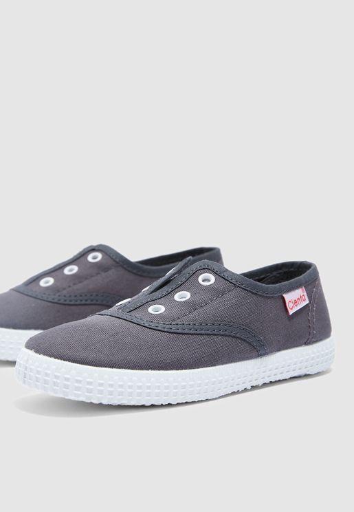 حذاء كانفاس سهل الارتداء