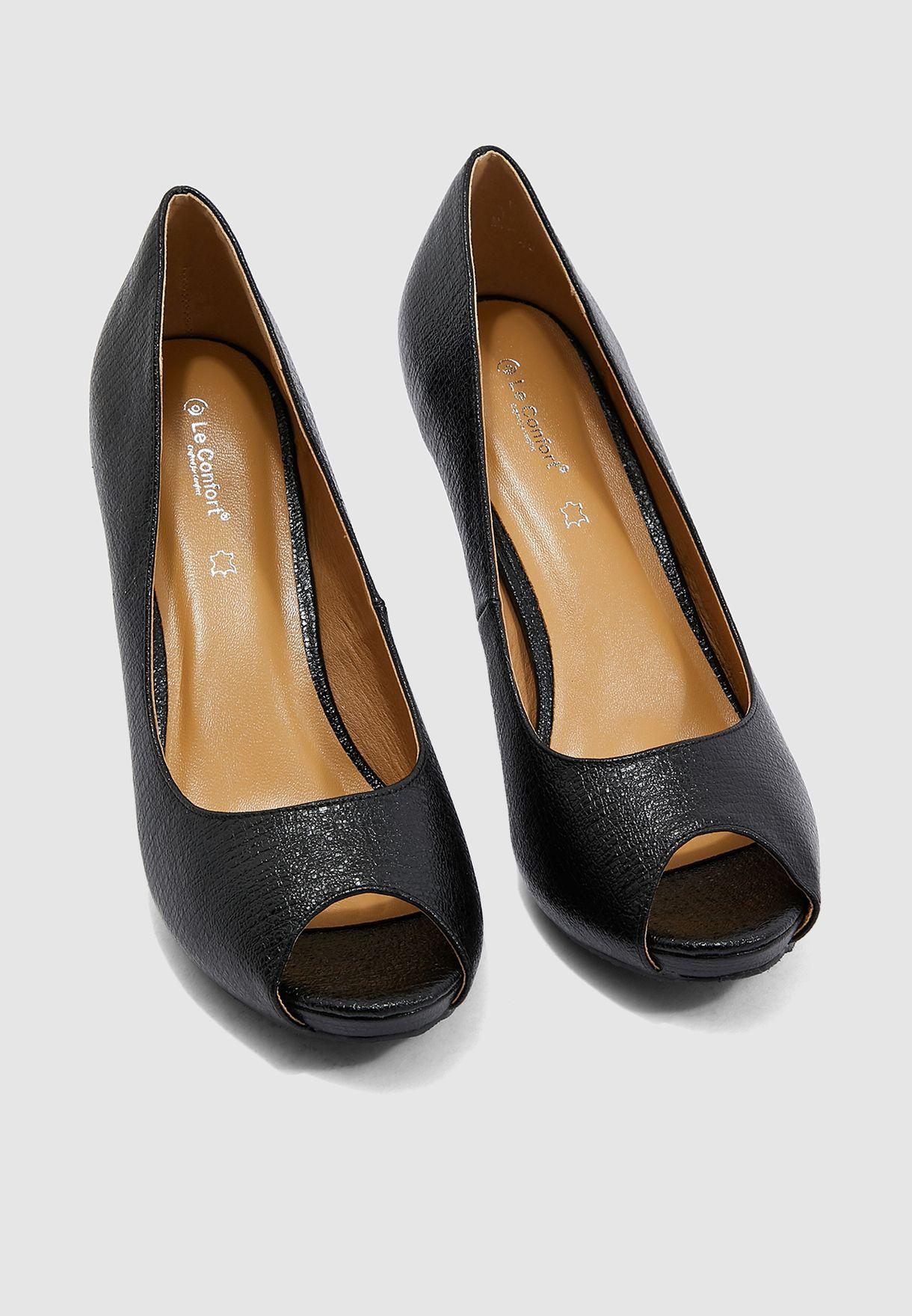 حذاء لامع بمقدمة مفتوحة