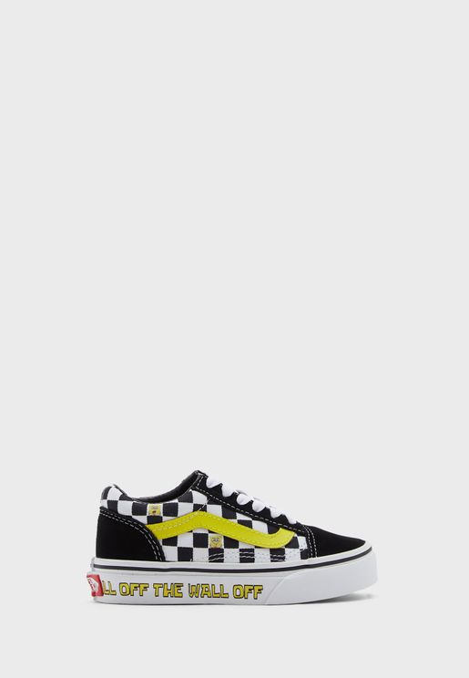 حذاء من مجموعة سبونجبوب