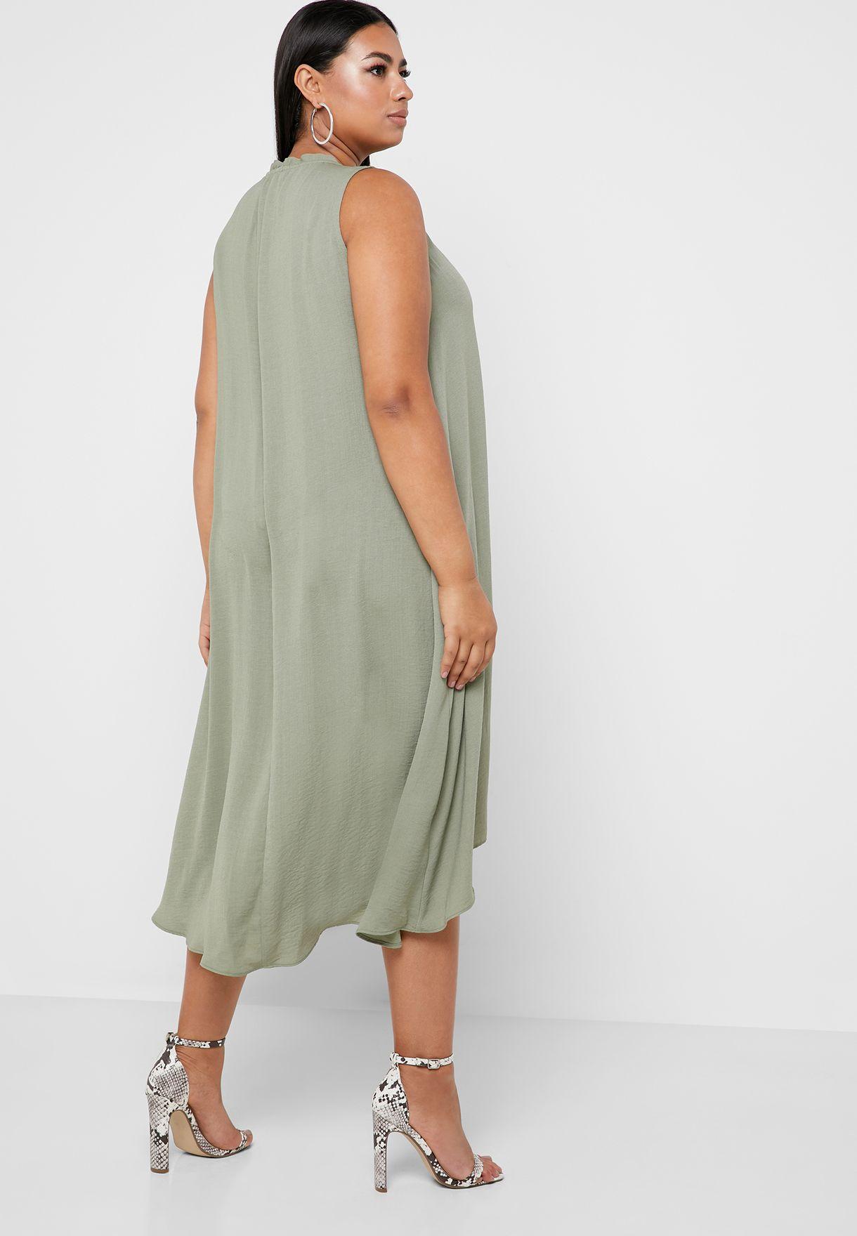 فستان بحافة متياينة الطول
