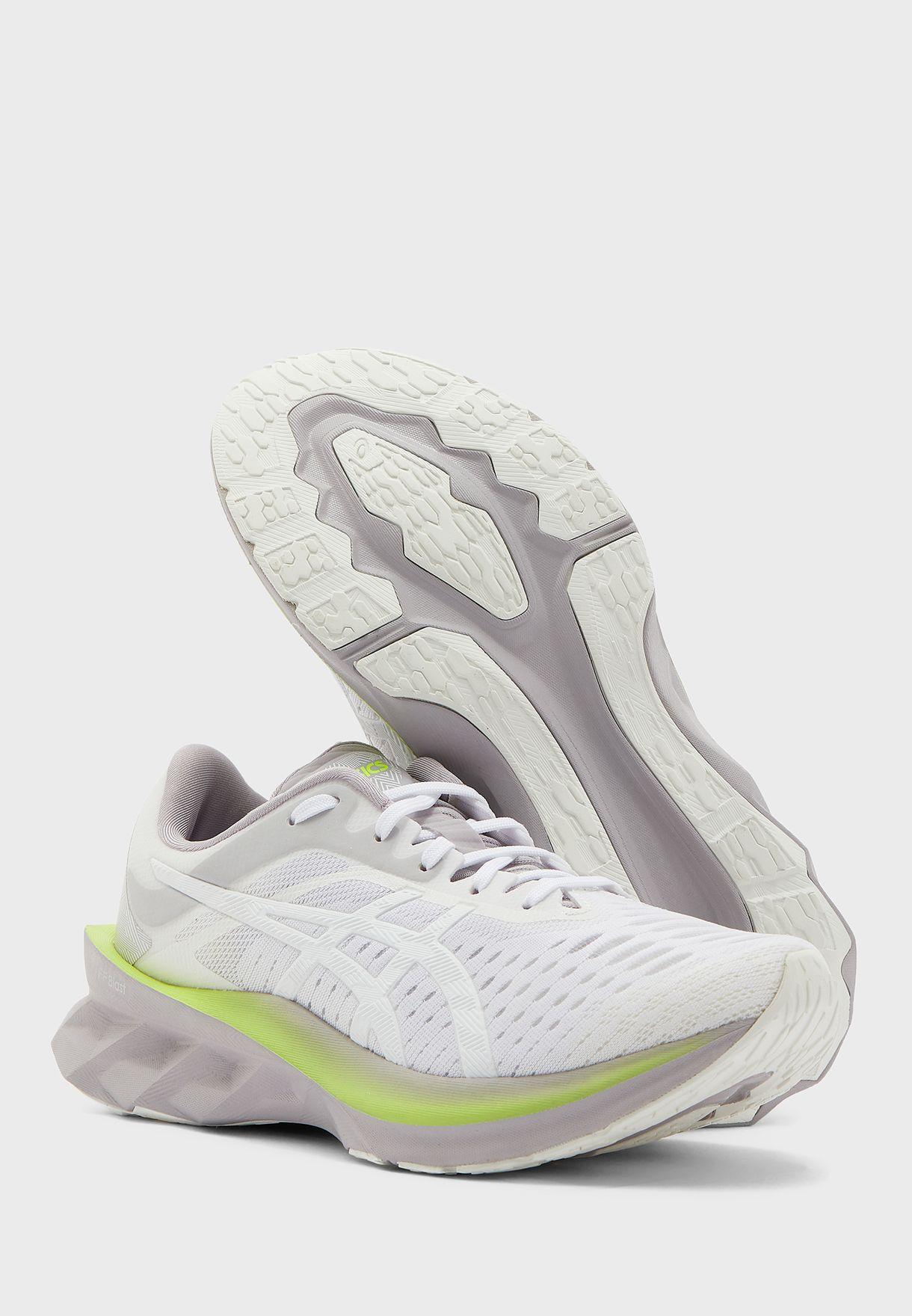 حذاء نوفابلاست
