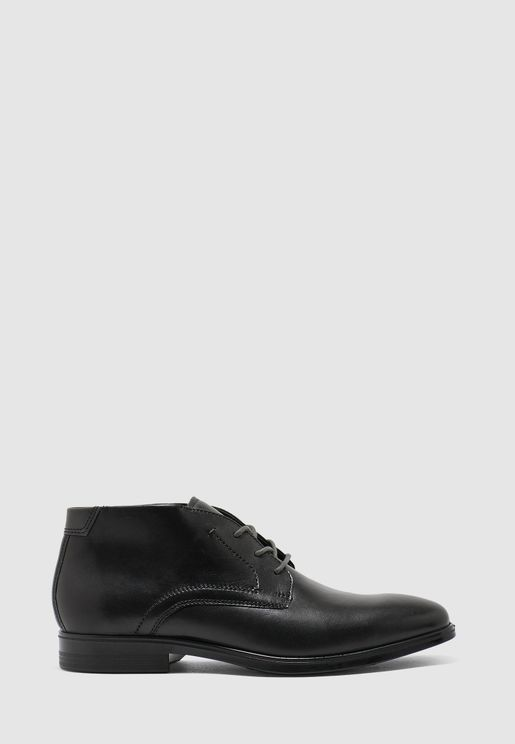Melbourne Chukka Boots
